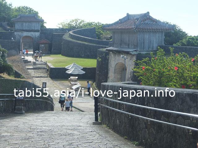 久慶門(きゅうけいもん)首里城の通用門的存在