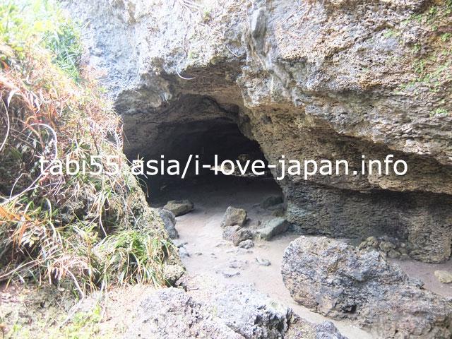 戦時中は防空壕として使われた「ニャティヤ洞」