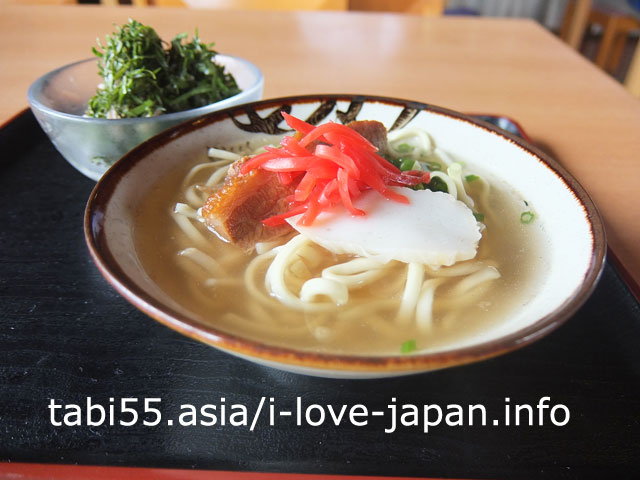 久高島で食事!沖縄そば+ニガナ和え物