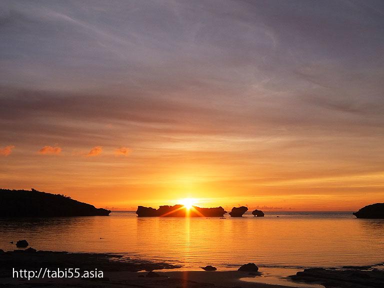 星砂の浜( 沖縄県西表島)