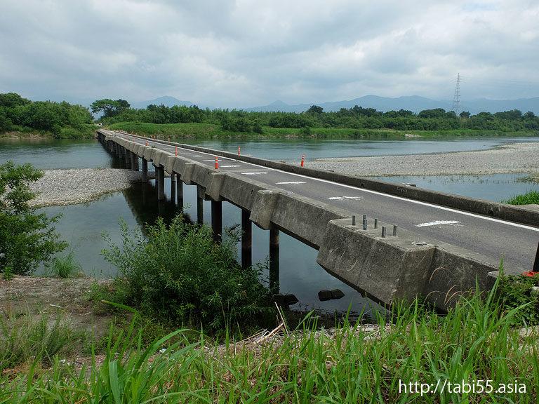吉野川の潜水橋
