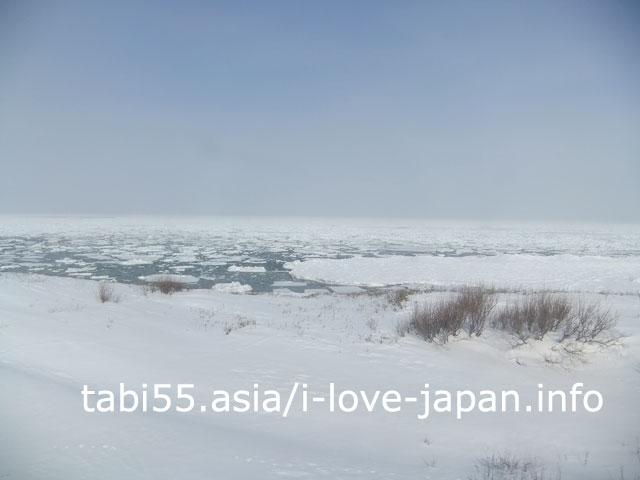 流氷を眺めながら、知床斜里へ電車で移動