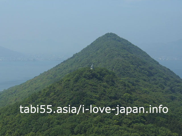 洞窟の先へ!鷲ヶ峰展望台で女木島特有の絶景を眺める