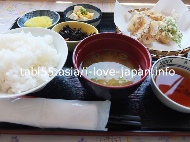 男木島の名物は、タコ!タコの天ぷらをランチでいただき