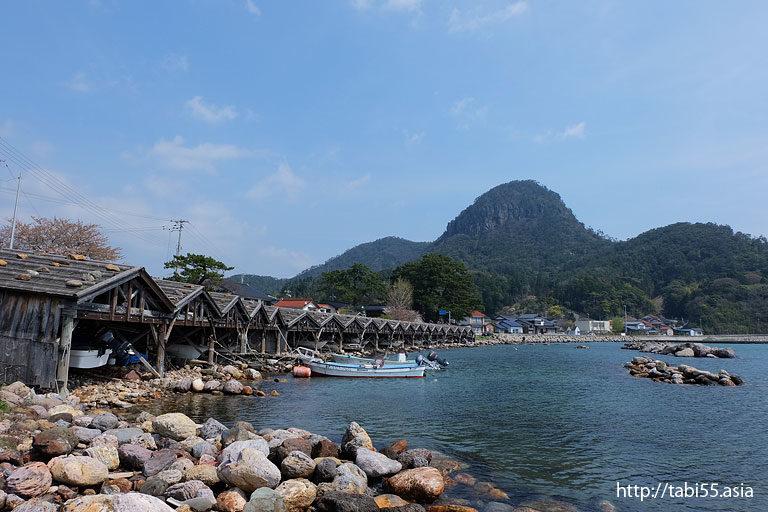 屋那の舟小屋群(島根県隠岐の島町)/Boat sheds of Yana(Shimane)