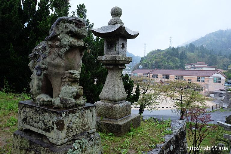 子連れの狛犬@西ノ島町でみた風景/Nishinoshima town landscape