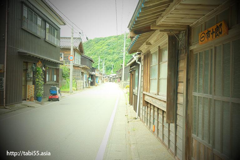 屋号の里 松ヶ崎(新潟県佐渡島)/Trade name Village Matsugasaki (Sado Island, Niigata Prefecture)