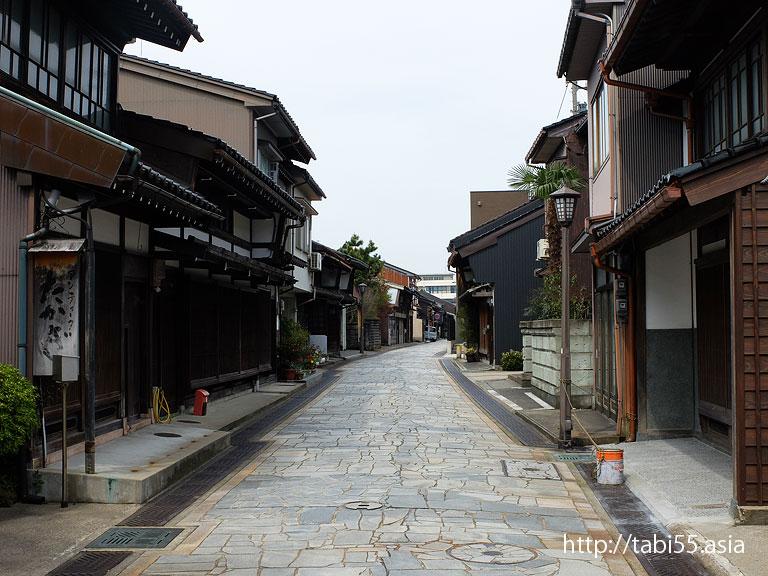 金屋町伝統的建造物群保存地区(富山県高岡)