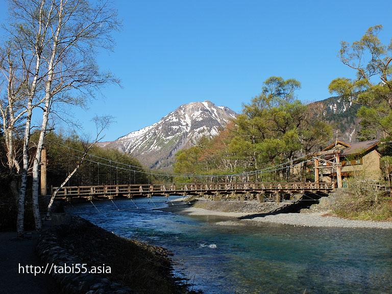 上高地の河童橋(長野県松本市)