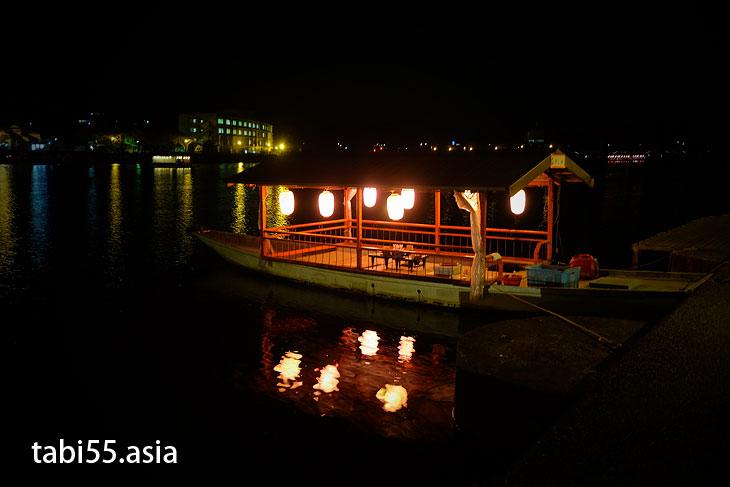 日田名物!三隈川に浮かぶ「屋形船」