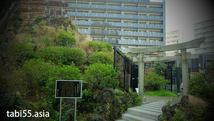 成子天神社の富士塚(東京都新宿区)都庁から徒歩12分のミニ富士山