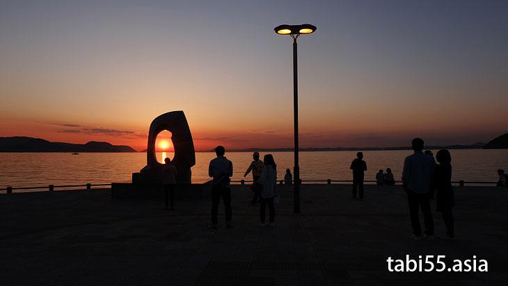 サンポート高松で夕焼け観賞@高松駅周辺の観光なら。うどんも夜も!おすすめ【8選】香川県