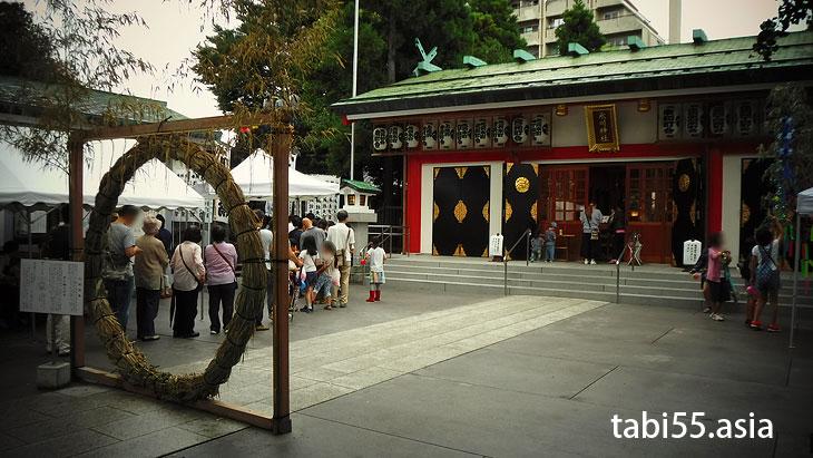 まず、池袋氷川神社にお参り