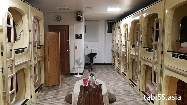 那覇港まで徒歩5分!カプセルホテル泊