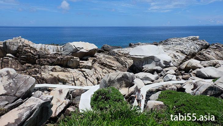 ゴツゴツした岩の間を散策!ムシロ瀬@徳之島の観光スポット【おすすめ15選】