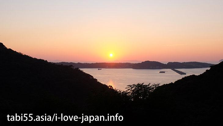 呼子!イカ以外にも七ツ釜、呼子大橋、朝市など観光を楽しめる【7景】