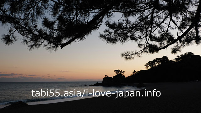 Walk around Katsura beach at dusk