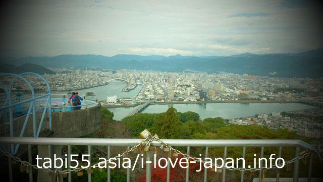 五台山展望台から、高知市街を一望