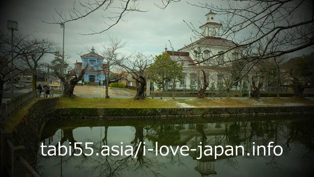 川面に映る姿もおすすめ!致道博物館で、鶴岡の歴史探索