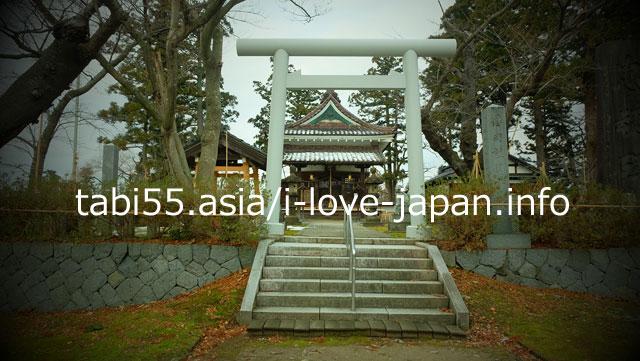 鶴岡護国神社には、石原莞爾生誕の地の碑が